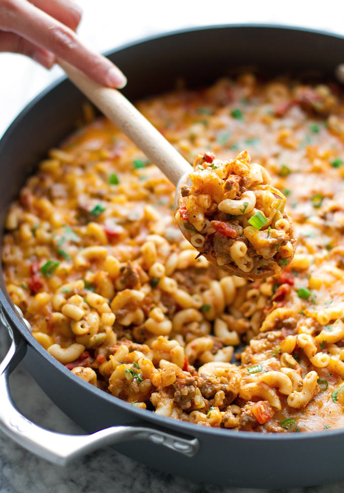One Pot Chili Con Queso Mac and Cheese - loaded with seasoned ground beef, melty, gooey cheese, the whole family is going to love this! #macandcheese #macaroniandcheese #hamburgerhelper #chiliconqueso | littlespicejar.com