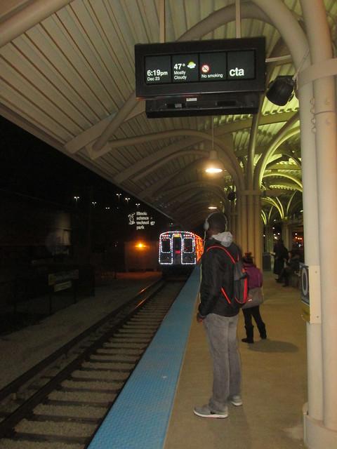 Inbound Holiday Train approaches Oakton-Skokie station