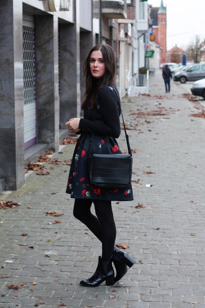 floral neoprene dress naf naf, zara chelsea boots