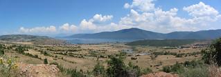 Widok na południowy kraniec jeziora Prespa w Albanii / View on southern end of Prespa Lake in Albania