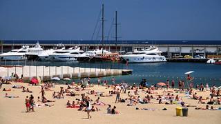 Bild av Platja del Somorrostro. barcelona catalunya cataluña españa spain barceloneta playa beach platja verano summer barcos puerto port vessels