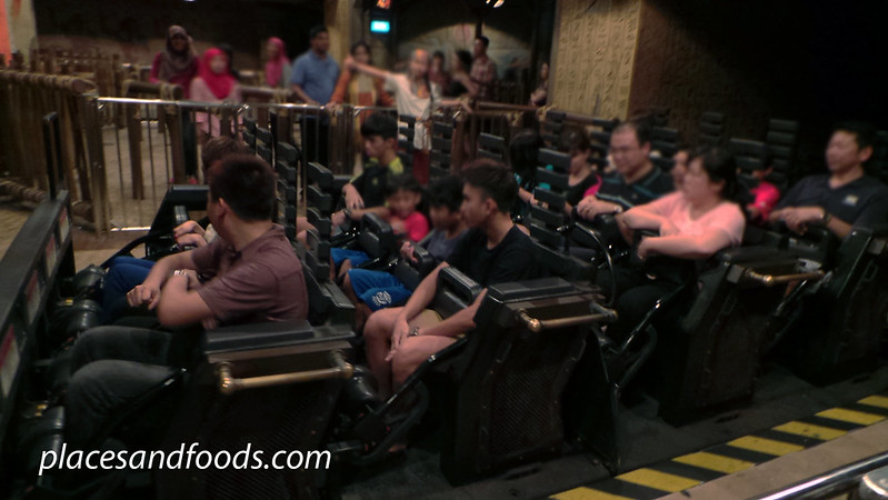 universal studio singapore revenge of the mummy ride