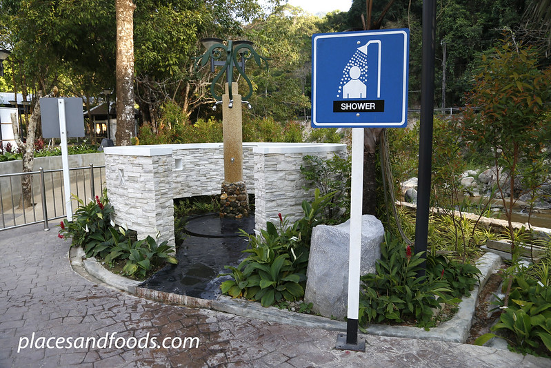 Raksawarin Hot Spring Ranong shower sign
