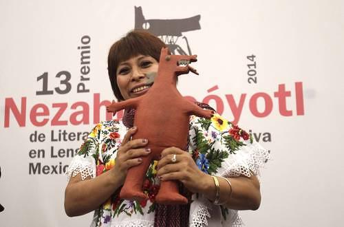 Sol Ceh Moo expresa que le gustaría ser la representante y la voz de todas las mujeres vulneradas de México y el mundo, por lo que cuida mucho que su trabajo literario sea universal Foto Yazmín Ortega Cortés.
