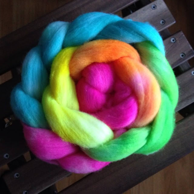 "A ""little"" colour for a grey day like today. #dye #dyeing #experimenting #fiber #spinning"