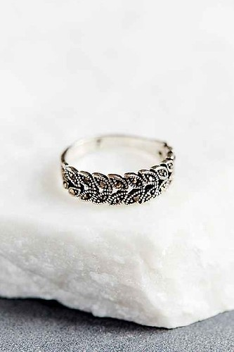 mystic leaf midi ring urban outfitters