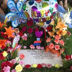 Tata, aunque ya no estés con nosotros, aun seguimos recordando que hoy es tu cumpleaños y lo celebramos como a ti te gustaba hacerlo