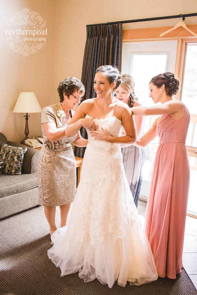 Getting Ready - Melissa & Troy's Wedding