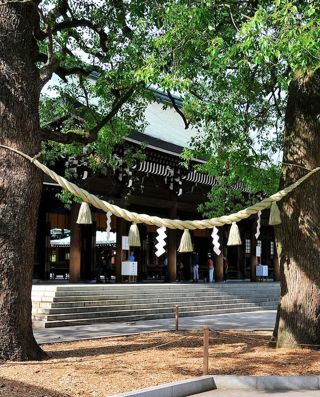Shimenawa rice straw rope at Meiji Jingu