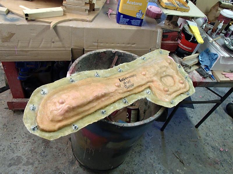 Aug 19 Lightning Gun Main Body Mold Ready to Pour Progress 09