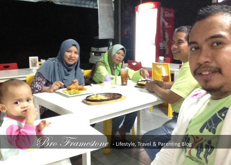 Cafe LampuNeon Tanjung Malim, Perak