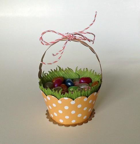 cupcakewrapper_letspolkamonamie_lynettelundquist2