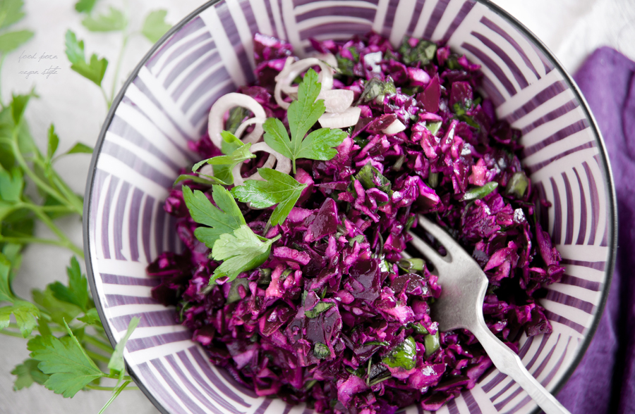 Cleansing red cabbage salad
