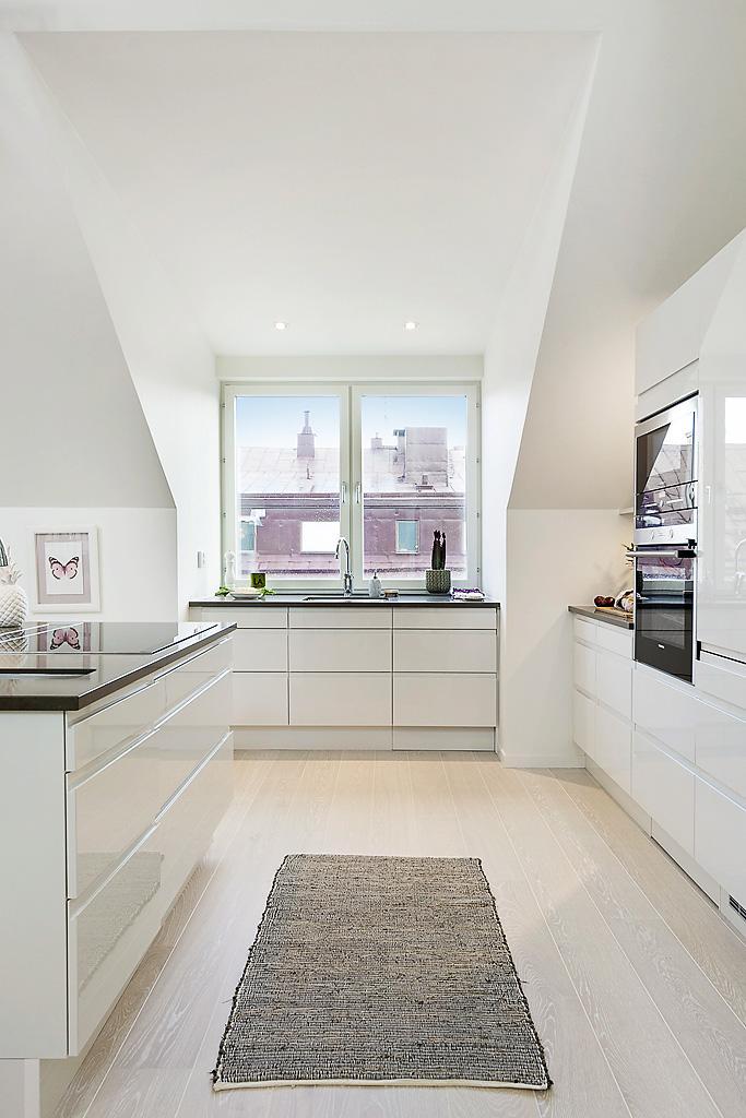 03-white-kitchen