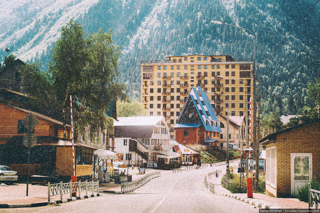 фото поселок домбай