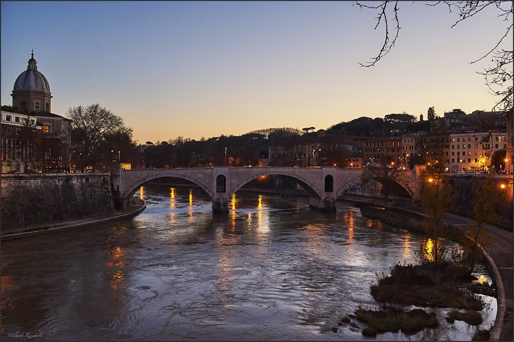Blaue Stunde am Tiber