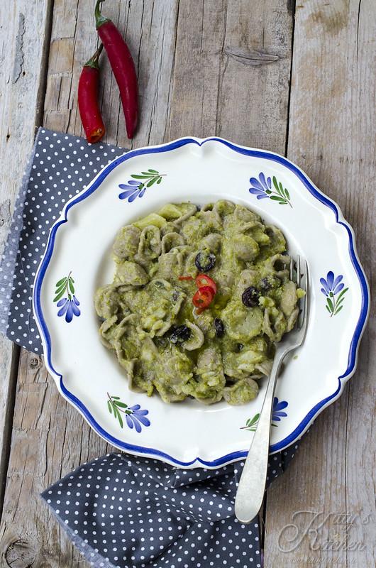 orecchiette al grano arso con broccoli uvetta e mandorle_5844