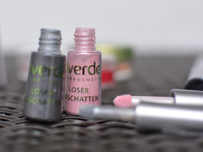 alverde Limited Edition Frozen Nature_ Loser Lidschatten 10 Crystal Grey und 30 Pearl Rose