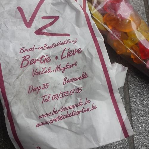 WTF? Erotic cakes in Bassevelde of all boeregatplaces!?!   #bassevelde #cakes #cycling #mtb #mountainbike #santosbikes #rohloff #ot
