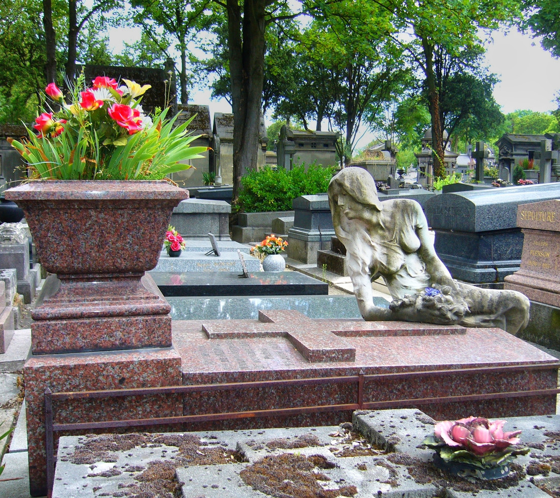 Tomb of Cléo de Mérode, the Père Lachaise cemetery in Paris. Credit Lebiblio