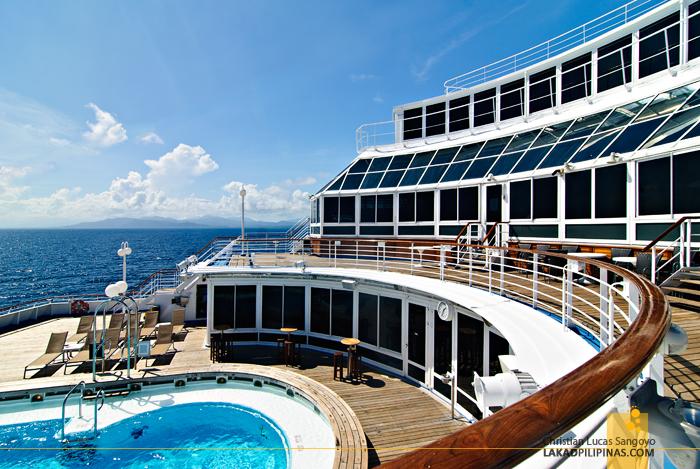 Star Cruises Superstar Aquarius Pool Area