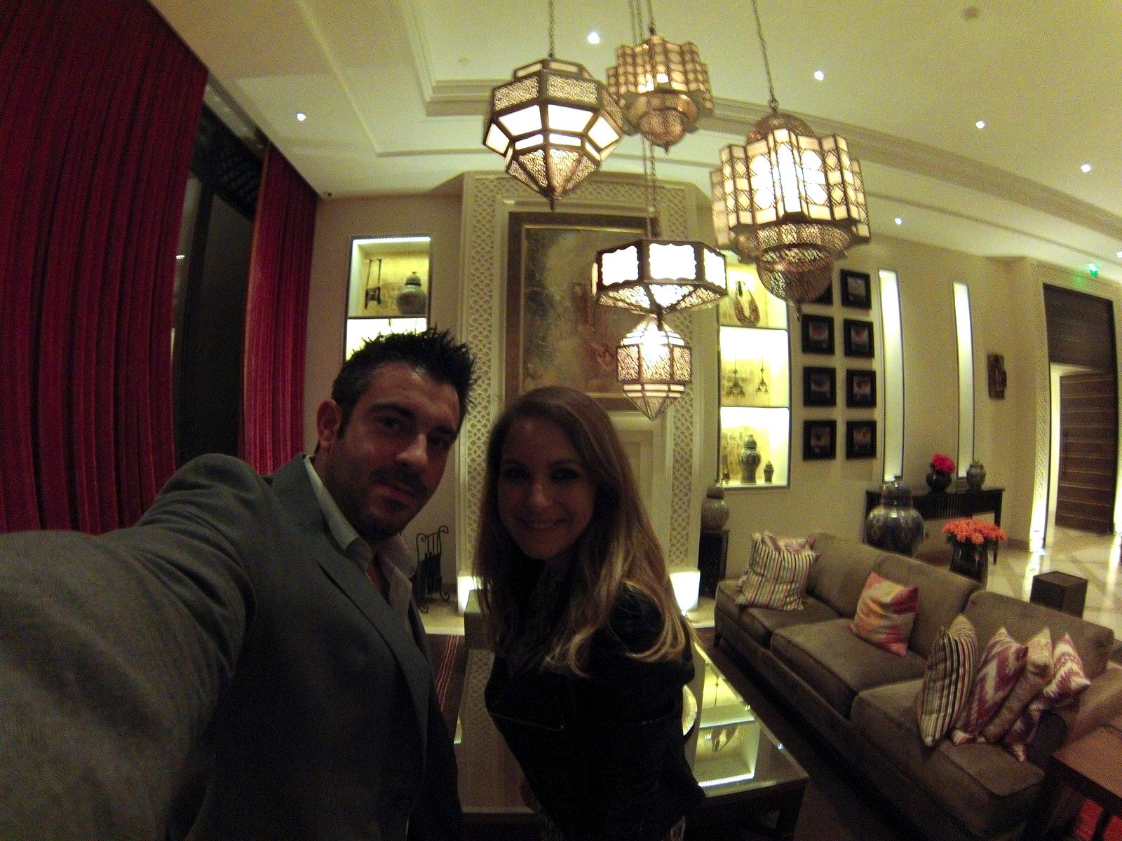 Disfrutando de los maravillosos restaurantes del hotel Four Seasons Marrakech four seasons marrakech - 15907857855 b381f1ee23 h - Four Seasons Marrakech, oasis en la ciudad roja