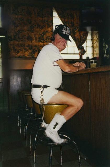elders-white-boots