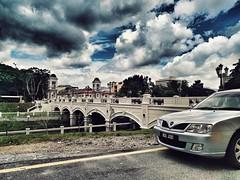 A Car, A Bridge and the Kinta River (Ipoh, Malaysia)
