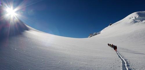 blue sun snow ice landscape adventure sunburst monterosa minimalism climbers alpinisme mountaineers