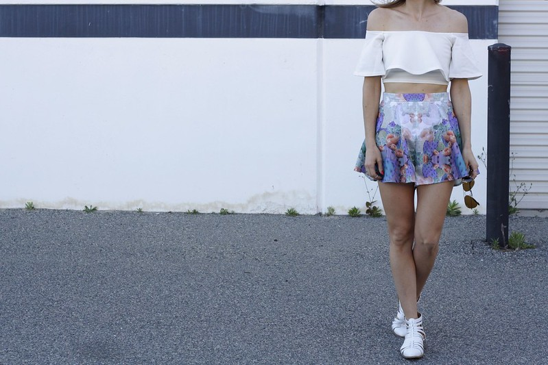 Missguided off the shoulder top, Birds on a wire fashion swing shorts
