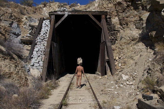 naturist 0013 DeAnza railroad trail, California, USA