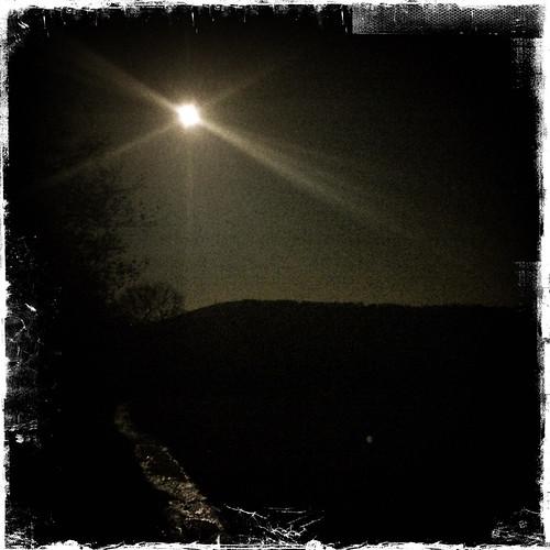 Moon and glisten, Penucha