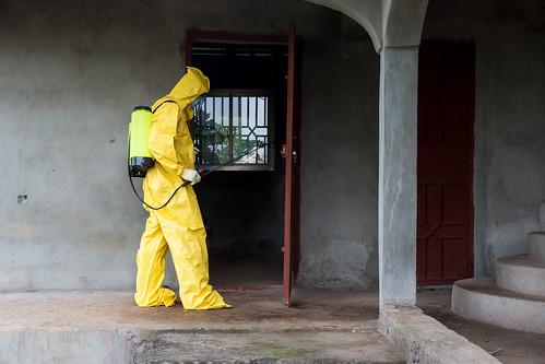 unitednations redcross ppe disinfection personalprotectiveequipment ebolaresponse unmeer unitednationsmissionforebolaemergencyresponse photomartineperret