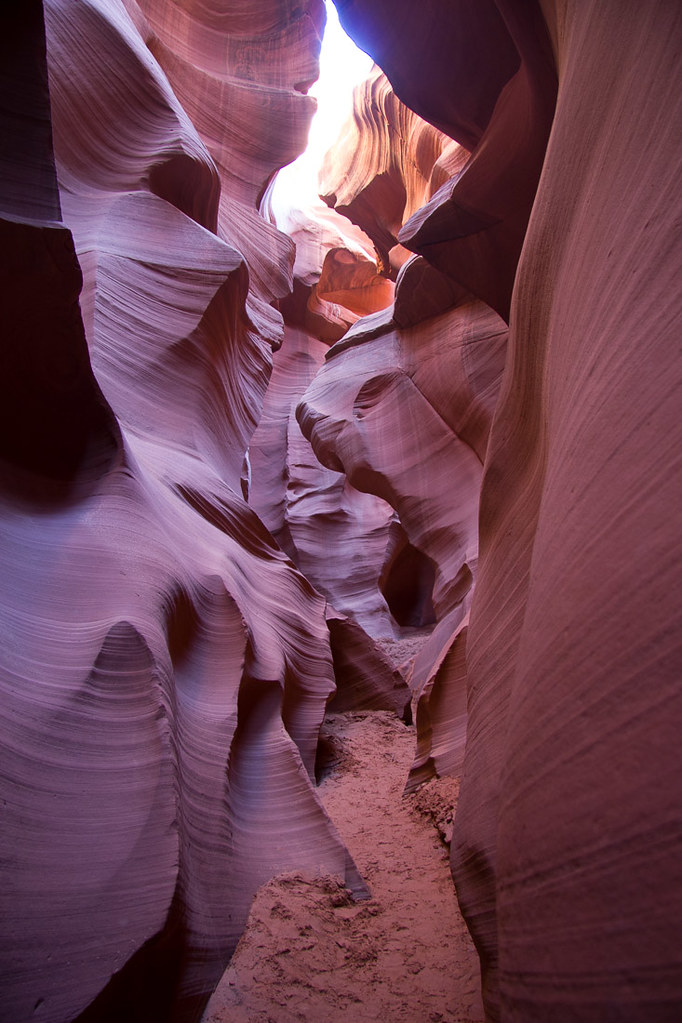 Narrow walls in Lower Antelope Canyon