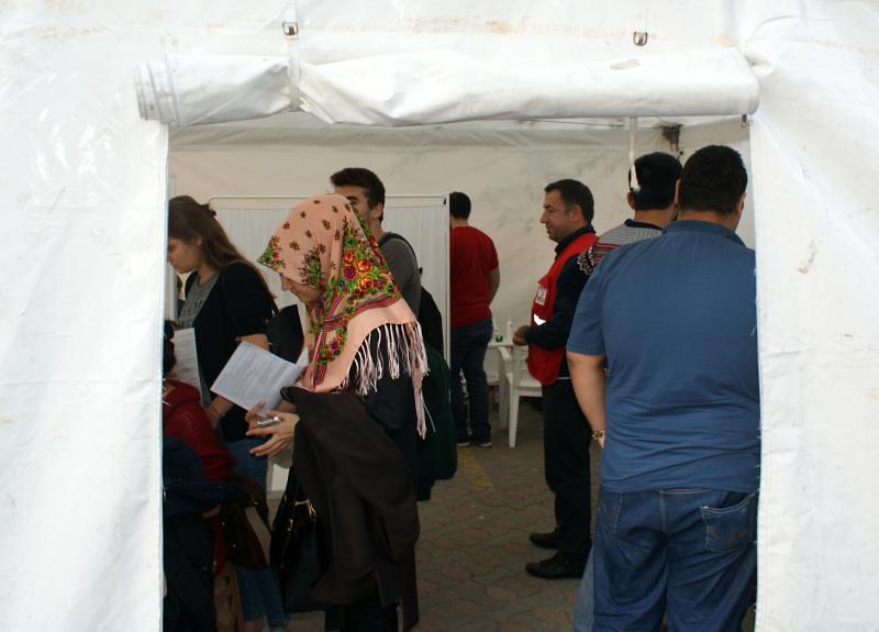 Üsküdar Üniversitesi Sahra Çadırında kan verdi… 2