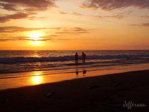 sunset red orange yellow atardecer colombia buenaventura amarillos