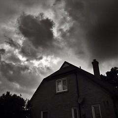 Sunset sky after the rain! #sunset #rain #storm #sky #blackandwhite #blackandwhitephotography @eduardontavares