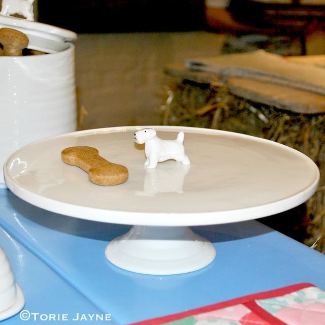 Cath Kidston dog cake stand