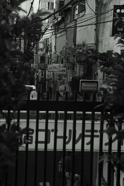 新宿ゴールデン街 Golden-Gai street, Shinjuku Tokyo, 02 Dec 2014. 022