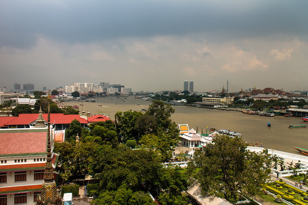 בנגוק נבט על הנהר