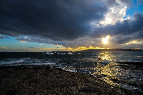 travel winter sea sun gold waves adventure greece almostsunset 10mm rainyclouds naturespallete spetsesisland canoneos700d t5i efs1018mmisstm cirfilter