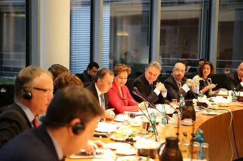 La delegación mexicana durante su encuentro con parlamentarios alemanes en Berlín. Foto SRE Alemania