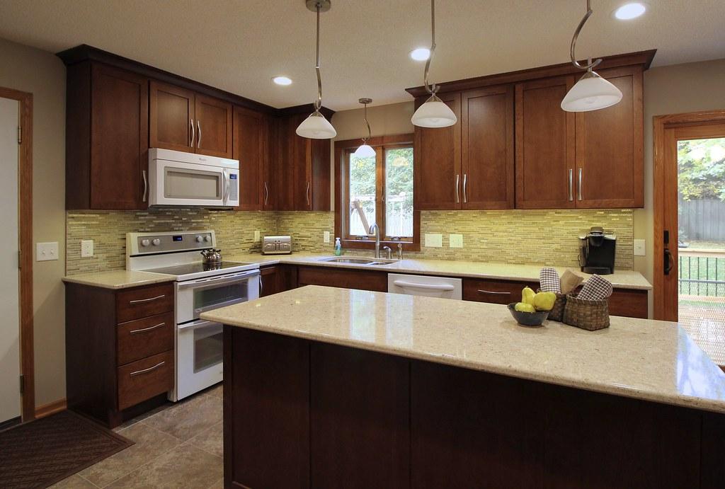 Burk kitchen 103