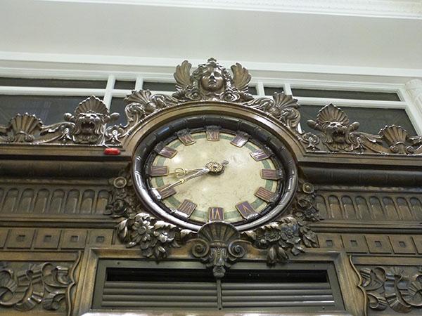 horloge selfridge