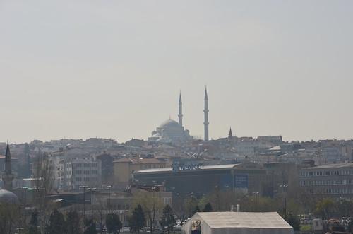 Aus einer anderen Perspektive die Moschee auf dem Hügel