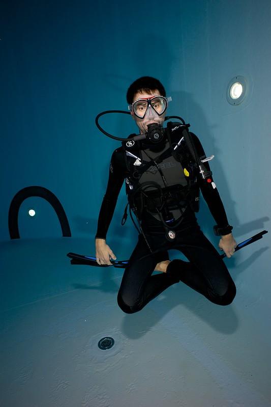 Indoor Diving avec le 15 mm Nikonos 15581937209_a0875931f1_c
