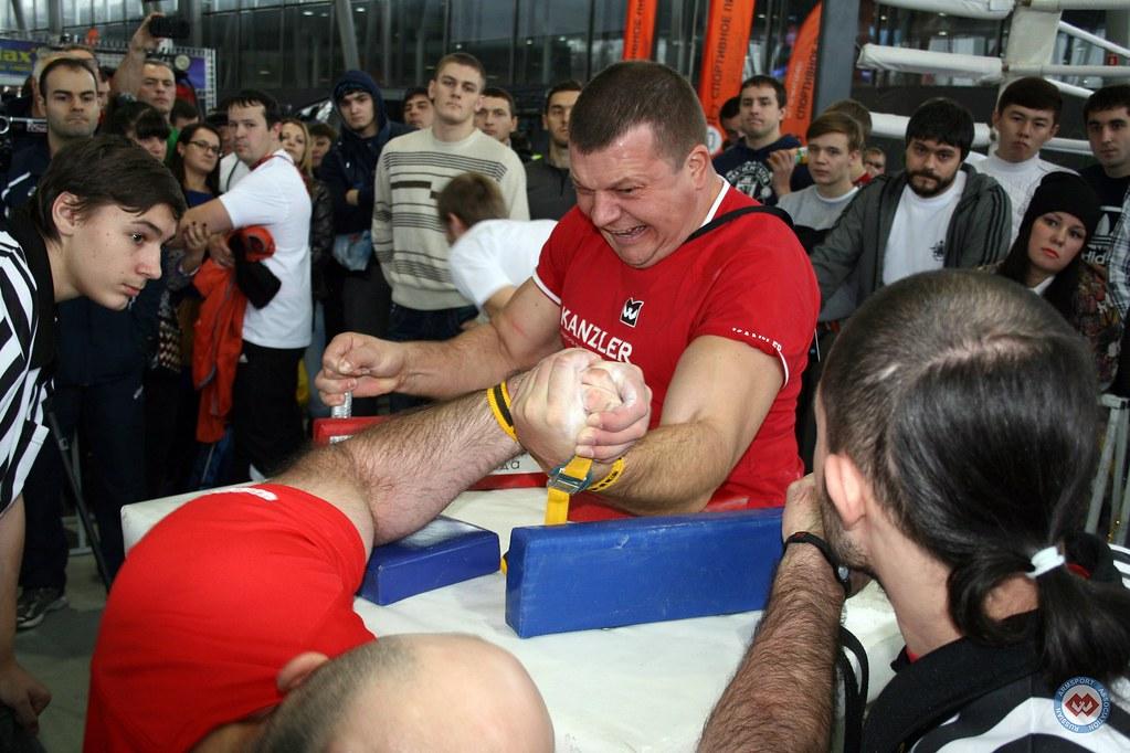 Imiraslan Agashirinov vs. Anton Minaev - Moscow Armwrestling Championship 2014 │ Photo Source: armsport-rus.ru