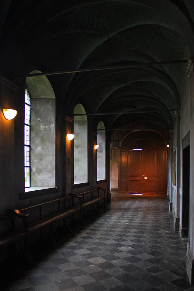 Liège - Cloître de la Collégiale Saint-Denis