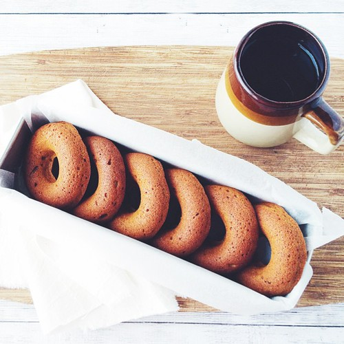 It's highly possible I baked pumpkin doughnuts to take to a crafternoon session w @penelope_quinn. Because 1. #cakewins and 2. there is a never ending supply of roast pumpkin in my fridge.  • #eatfoodphotos Nov 28   #leftovers •