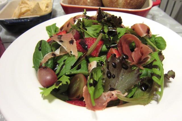 義式火腿配草莓葡萄沙拉 1412